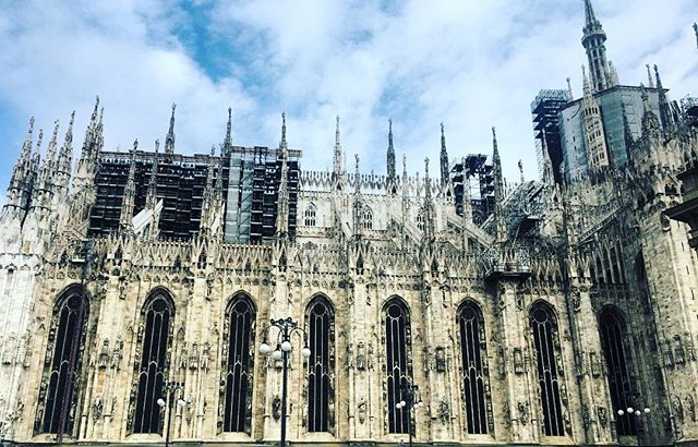 I'm impressed  #duomo #duomomilano #milano #milanogram2018 #sunday #outandabout #coolsculpting #coolspot #nicespot #italy #italy🇮🇹 #madeinitaly