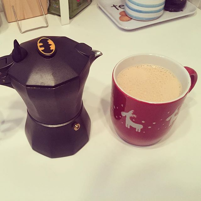 Batman VS Rudolph [coming soon]. #darkknight #batman #coffeespot #morningcoffee #milan #rudolph #christmas2018 #solstice #wintersolstice #coffee #coffemachine #instacoffee #instabatman #coolphotos