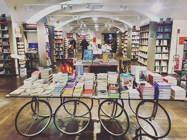 Just another bookstore  #bookstagram #books #bookshelf #book #bookstore #bookstagrammer #coolspot #coolpics #coolpic #reading #booksaremagic
