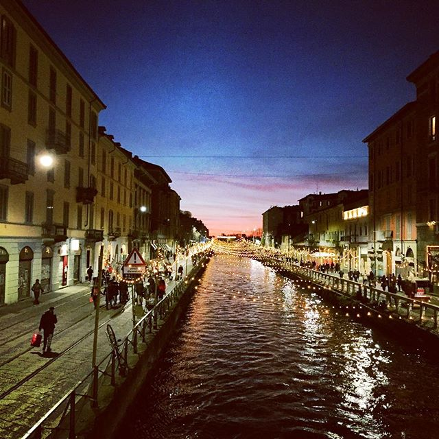 Winter in Milan.  #navigli #naviglimilano #milan #aperitivo #aperitivomilano #sunset #winter2018 #nye #newyearseve #walk #outandabout