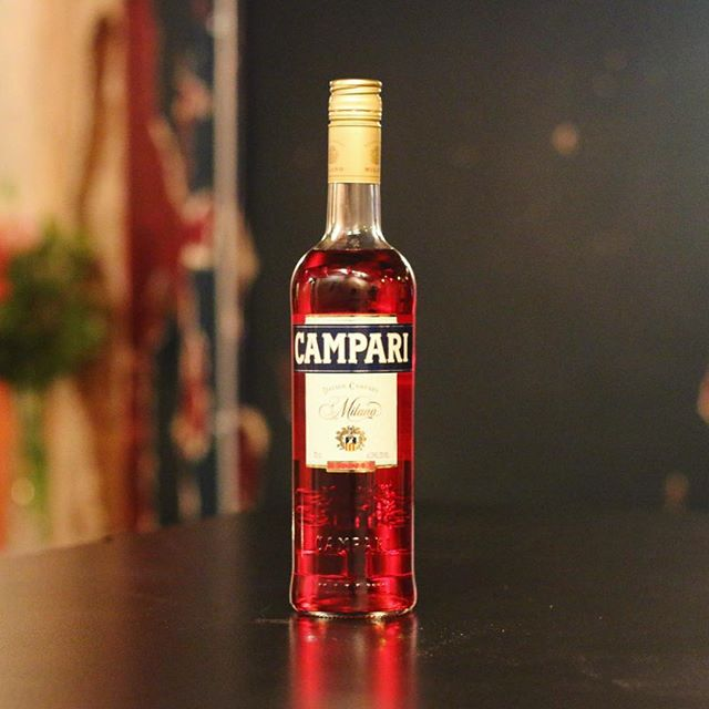 Gins may come and gins may go (vermouth too) but of course, the only essential ingredient you need to celebrate #NegroniWeek is @CampariUK. @reverendjws