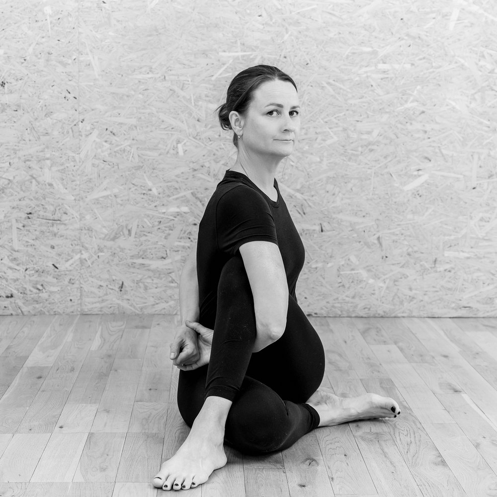 Alice Taylor-Rugman Private one-to-one yoga classes in London Ardha Matsyendrasana pose