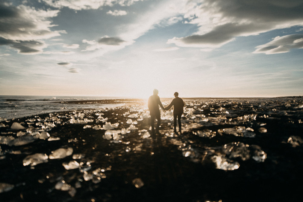 Antra & Toms & Island v prosinci ♥ Antru a Tomse z Litvy fotila Káťa  přímo na Diamond Beach na jihovýchodě, bylo to přenádnerný!
