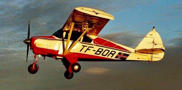 """Fyrsta vél félagsins var """"Borinn"""" sem er af gerðinni Piper PA-22-160 Tri-Pacer. Hún var framleidd árið 1959."""