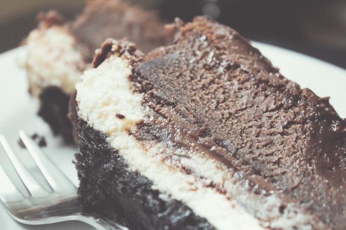 chocolate-cake-marbled-cheesecake