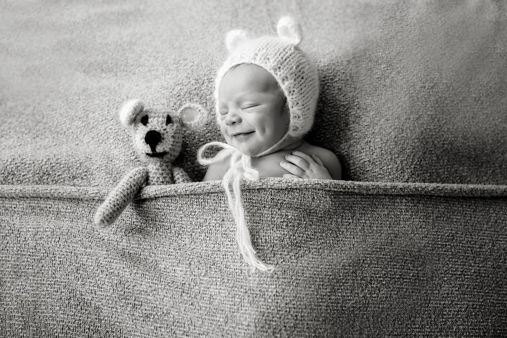 Toronto Newborn Photographer 9.jpg