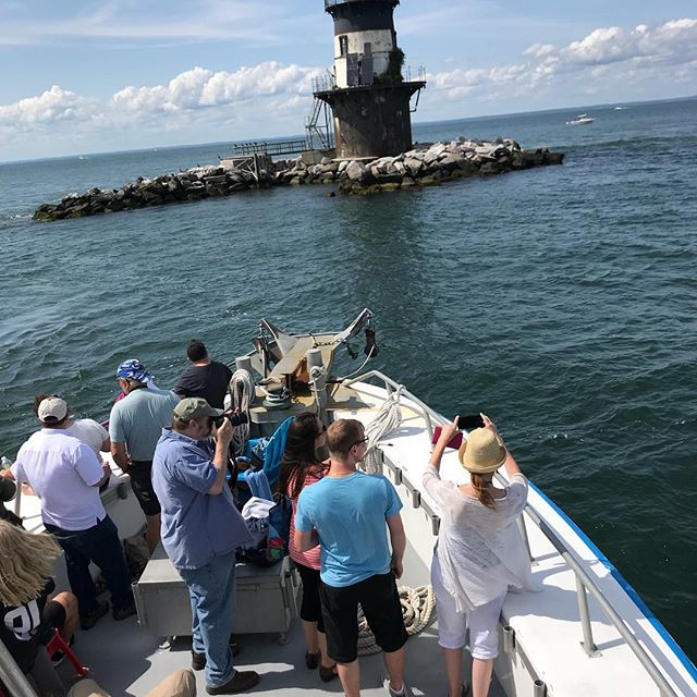 Still time to hop aboard our 11am BUG LIGHT CRUISE & TOUR with @eastendseaportmuseum. Get your tickets at the Seaport Museum 'til 10:45. ⚓️ Our LIGHTHOUSE & SEAL WATCHING TOUR gets underway early today — 1:30-4pm. ⚓️Link in profile for tickets or buy them at the dock between 1-1:15pm.