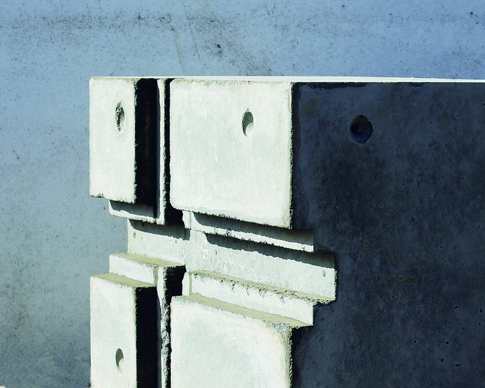 PF.Flag.Concrete.mold2.sidelight.2500px.jpg