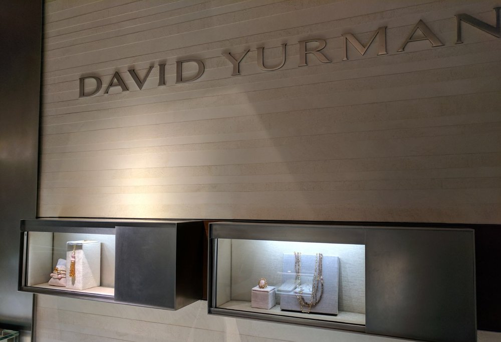 David-Yurman-Jewelry-Display-visual-merchandising.jpg