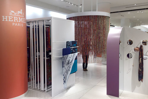 Hermess Silk Room Vibrance Circle Visual Inc