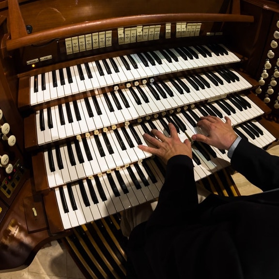 Organists & Pianists