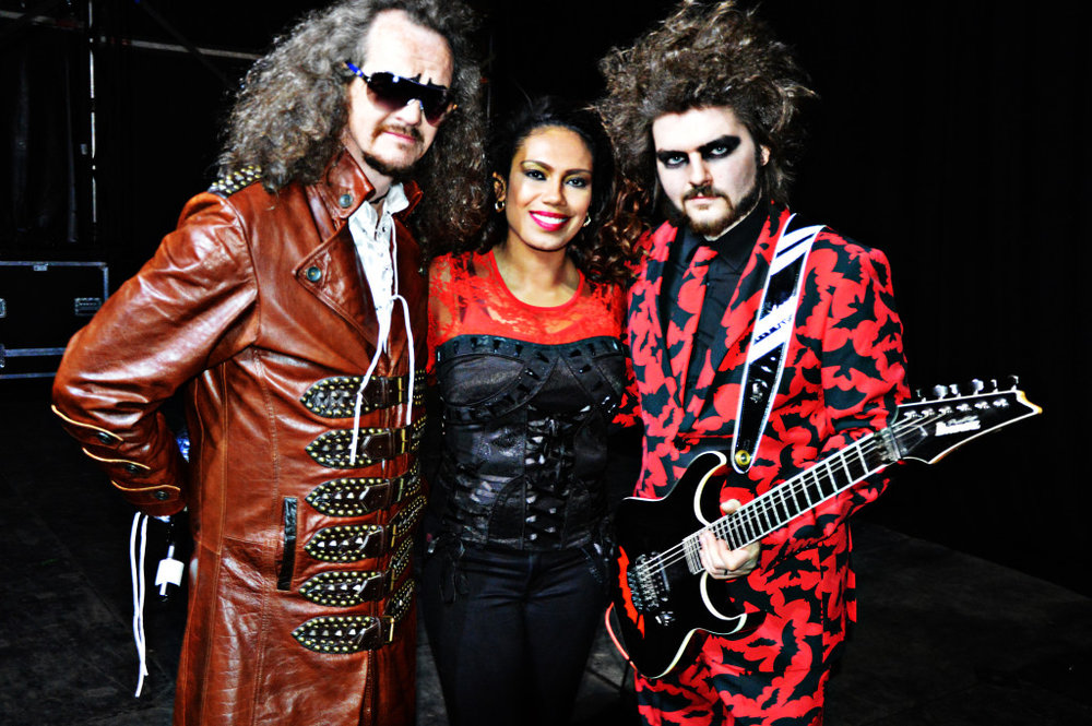 Dr and the Medics3 xsp.co.uk.jpg
