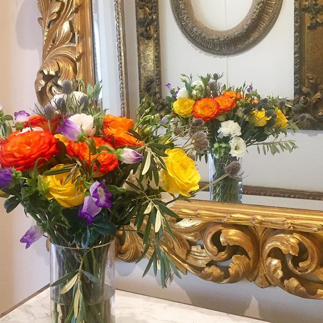 Enjoying the flowers from our neighborhood florist @floresta_nyc A little spring spruce up for our photo shoot with @tedmorrisonstudio 📷 Wishing everyone a beautiful holiday weekend!  #goodfriday #freshflowers #antiqueframes #spring #florist #buylocal