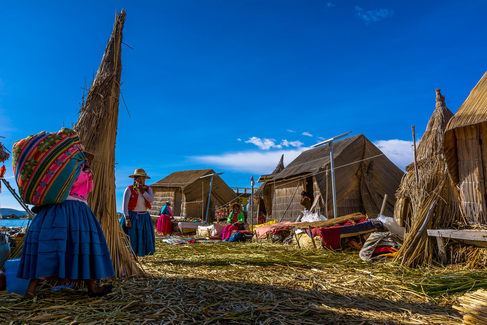 Rise and shine @ Uros artificial islands, Lake Titicaca.