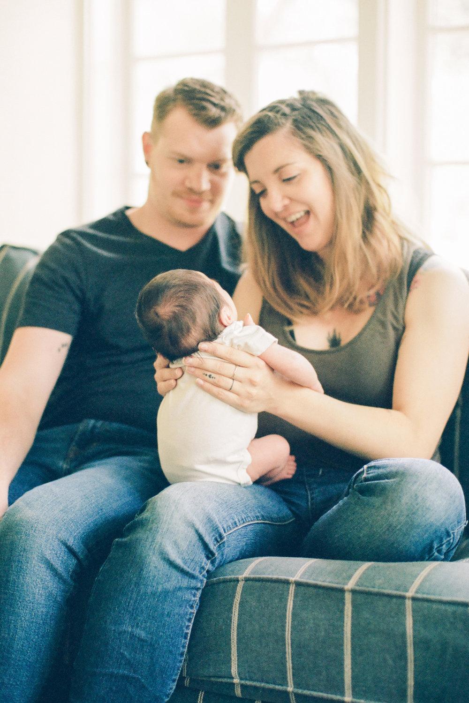 Huddleston_Newborn_OM&H-051-688390400015.jpg