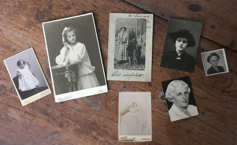 Isoisoäitini viralliset kuvat. Näistä kuvista olen erityisen onnellinen <3