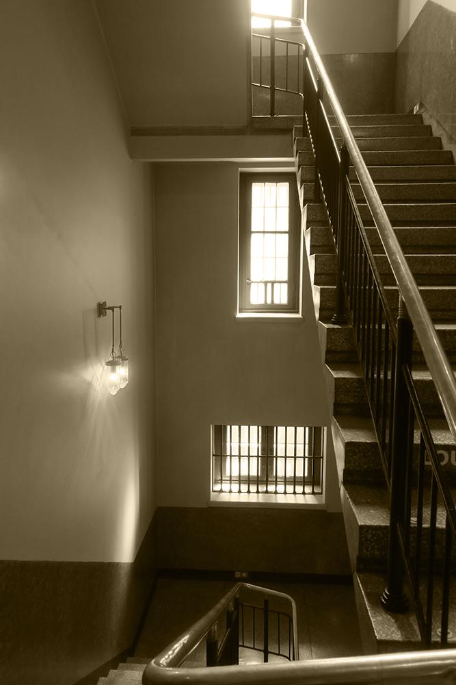 hallwaybw.jpg