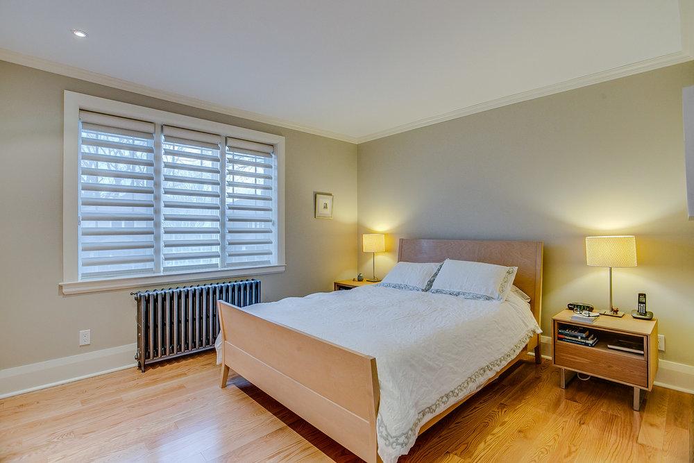 29_master_bedroom1.jpg