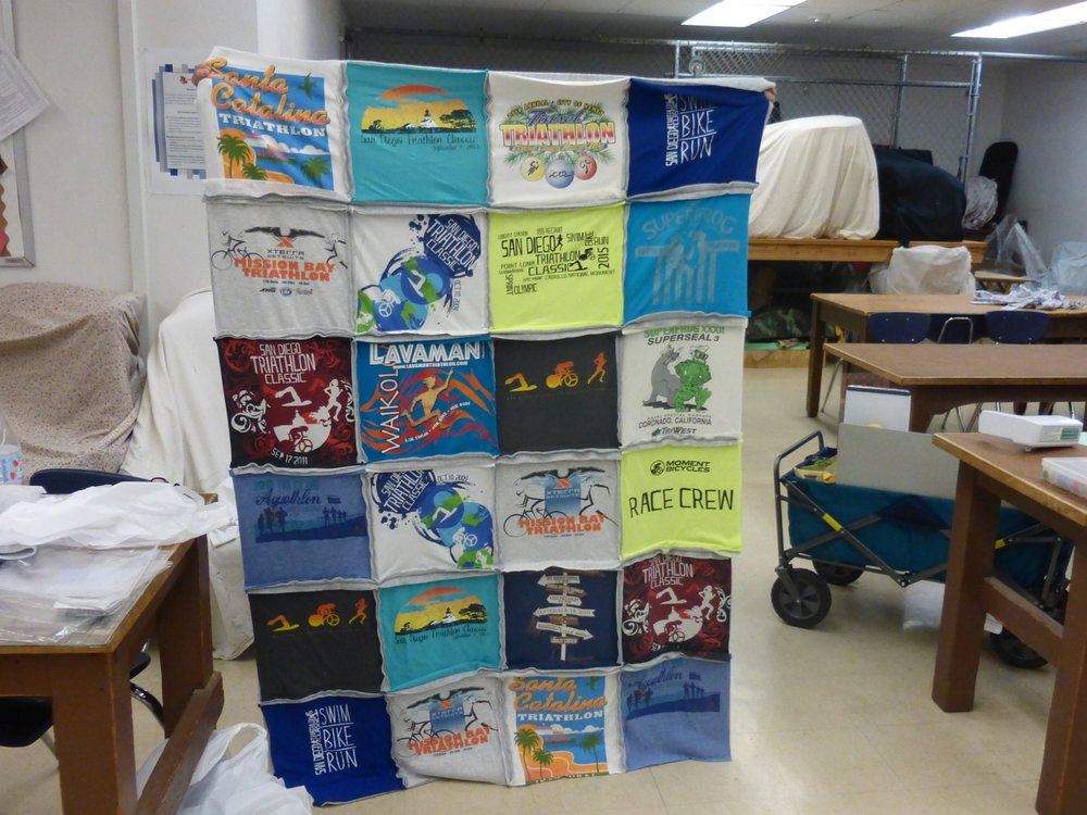 T-shirt quilt in a day    turn a pile of t-shirts into a cozy quilt you will love for years to come!