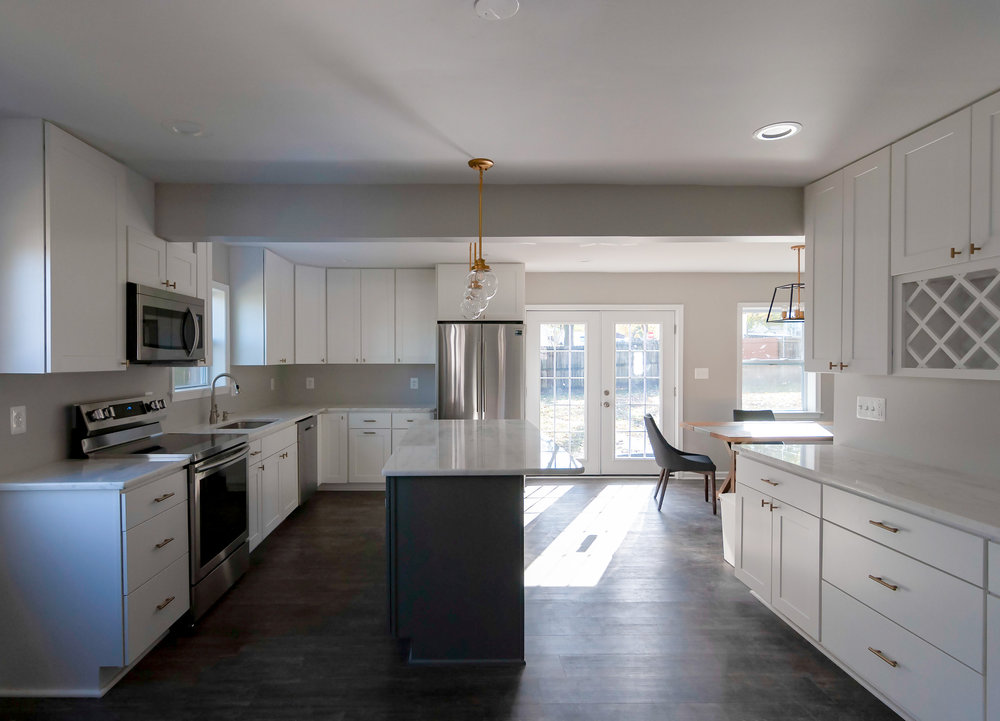 2913 Main kitchen direct.jpg