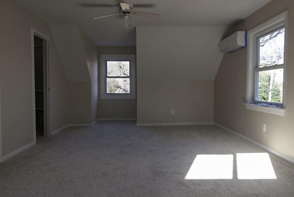 2913 Main bedroom 2.jpg