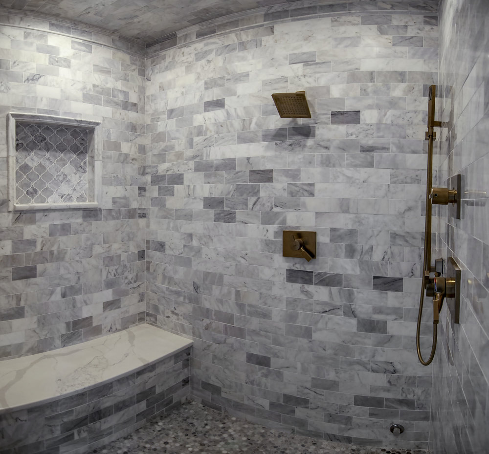 riverhouse master bath shower pano.jpg