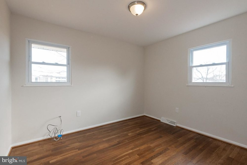 1315 McKinley bedroom 1.jpg