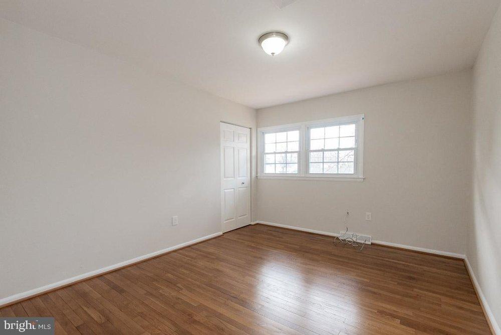 1315 McKinley bedroom 3.jpg