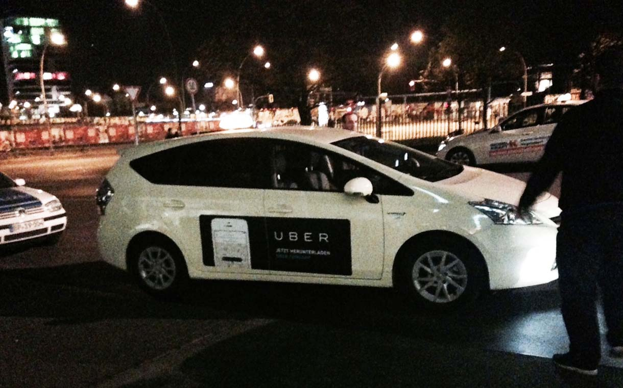 uber-ad-on-taxi-in-germany