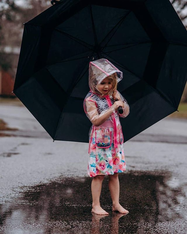 Rainy days are great for the imagination ❤️ #dontblinkphotography #letthembelittle #ig_motherhood #motherhoodiscolorful #documentchildhood #wildandfree #thesnapsociety #thesincerestoryteller #charlestonphotographer #savannahphotographer #summervillephotographer #southcaronlinaphotographer #clickinmoms #momswithcameras #smalpresets #lookslikefilm