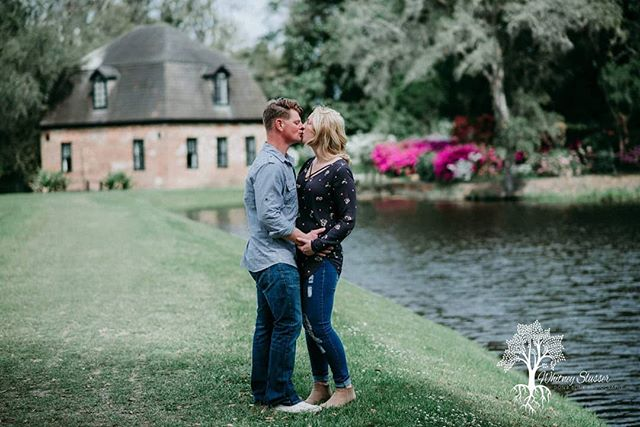 This sweet couple is getting married in November. We captured their beautiful engagement session yesterday at Middleton Plantation ❤️ #dontblinkphotography #charlestonphotographer #southcaronlinaphotographer #charlotteweddingphotographer #southcarolinaweddingphotographer #charlotteweddingphotographer #northcarolinaweddingphotographer #engagementphotos #middletonplace #thearch #smalpresets