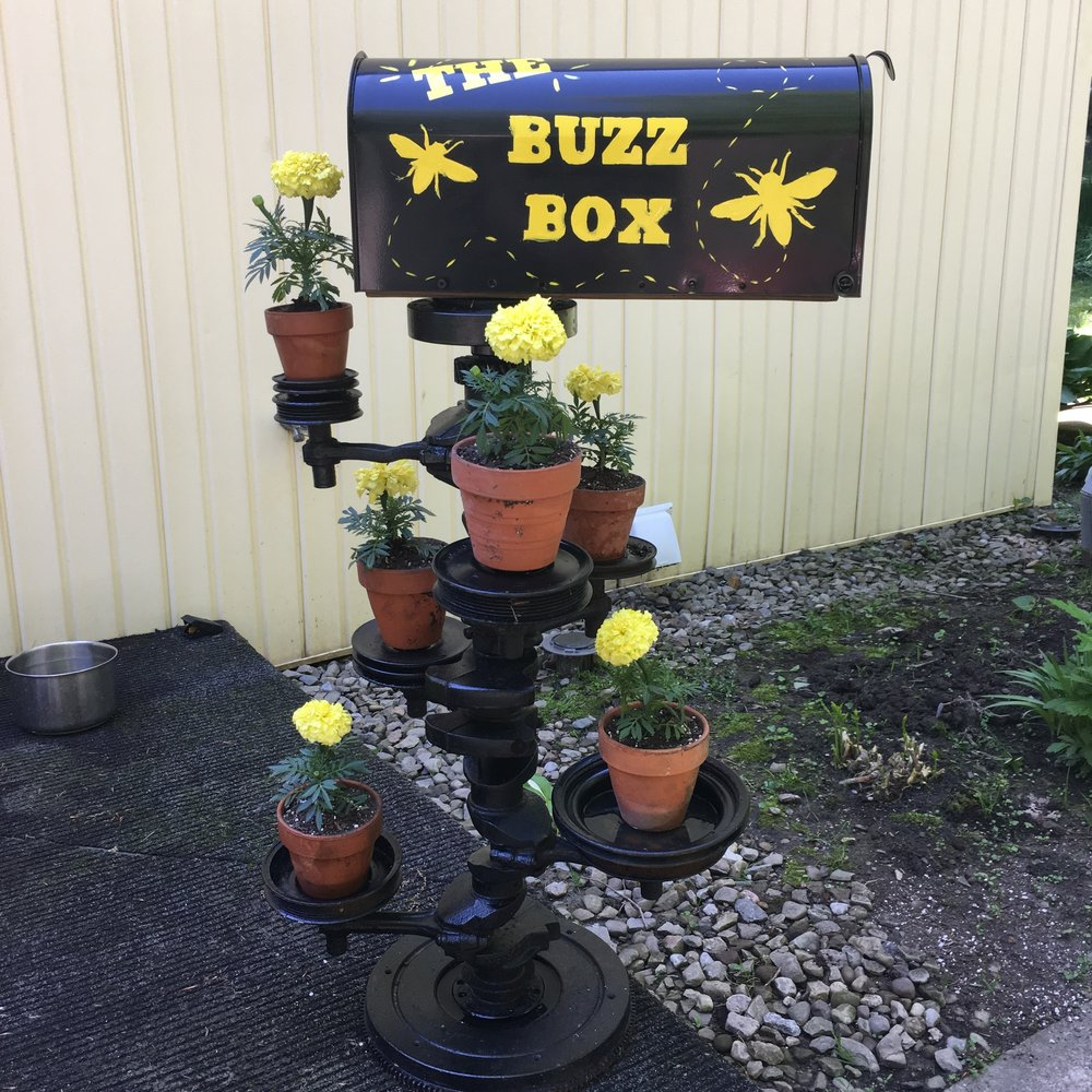 Assembling The Buzz Box at Schaefer's Auto Art.JPG