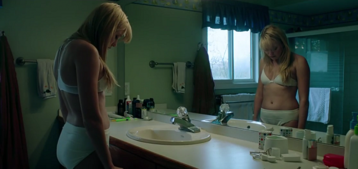 it-follows-bathroom-700x331.png