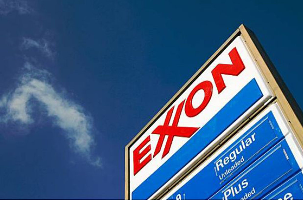 The Dark Side of Alaska: Reports From the Exxon Valdez Oil Spill - (Rolling Stone)