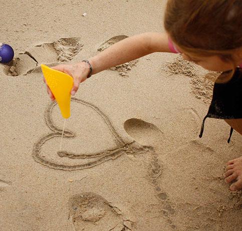BeachRentalsStAugustineDrifters_quut_cuppi_inuse_waterwriter-2-crop-u45745.jpg