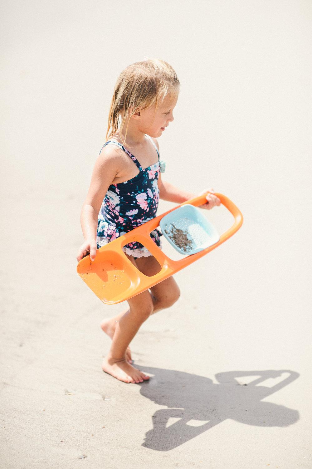 DRIFTERS_Rentals_BeachShovel.jpg