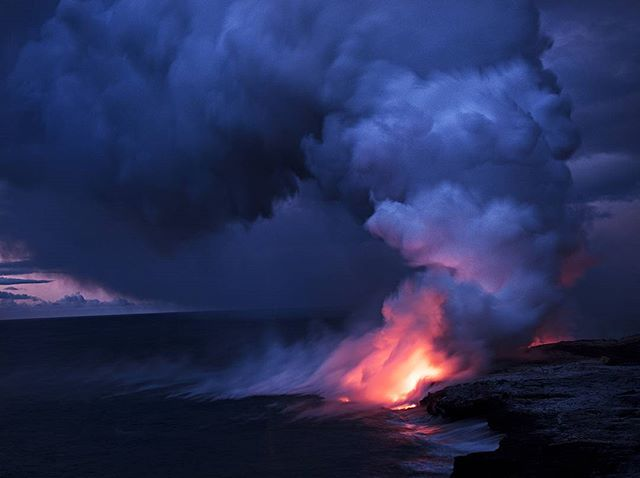 The predawn glow of the lava ocean entry is absolutely surreal! * * * * * #awesome_photographers #jaw_dropping_shots #earthpix #earthfocus #neverstopexploring #optoutside #wander #superhubs #hubs_united #naturegram #naturelover #teamcanon #travelawesome #ig_masterpiece #ig_shotz