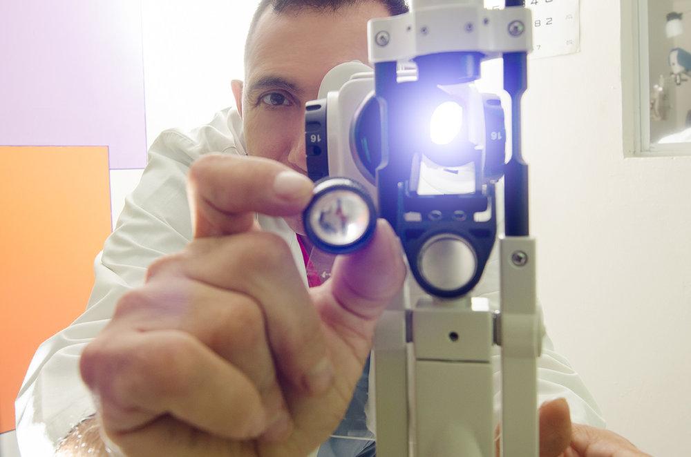 ivansolorzano oftalmologo el salvador (5).jpg