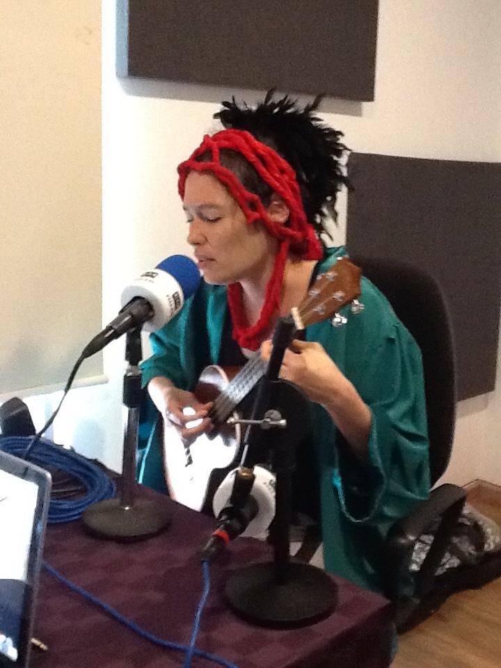 Corina Lawrence EN VIVO en la cabina de PASAJERO