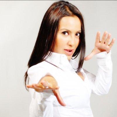 Fernanda Delgadillo   Viajera, nómada digital, actriz y locutora. Hace radio desde 1999 para las estaciones más importantes de la Ciudad de México. Se encarga de las relaciones públicas y comunicación en PASAJERO. Conduce   Mujer Genial   y   Alebrije  .  Web:   FernandaDelgadillo.com   Twitter:   @FerDelgadilloFM   Instagram:   @FerDelgadilloFM
