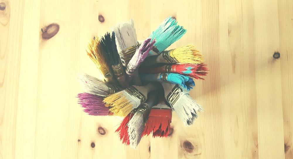 brushes-1160643_1280.jpg