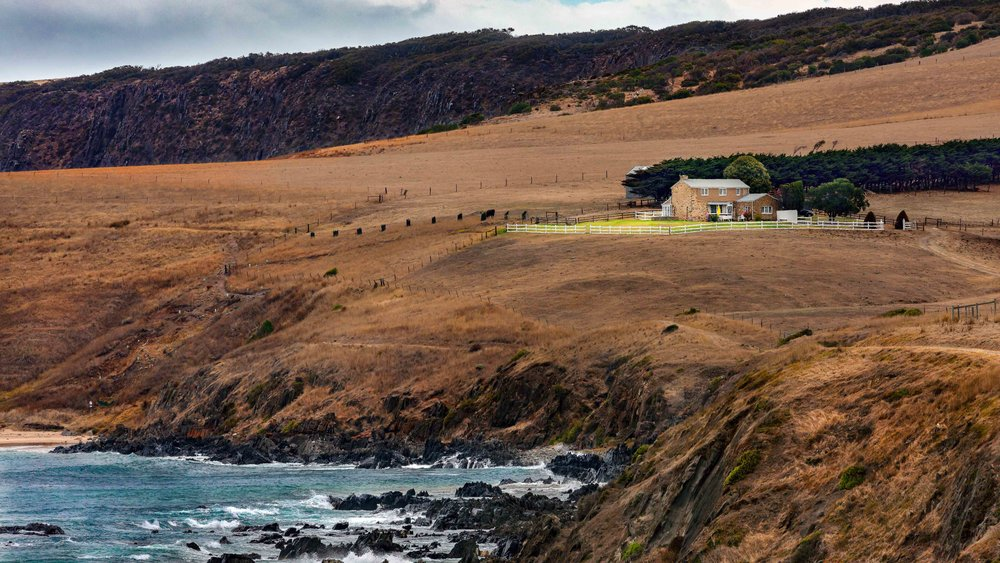 House on cliff - flat hi res sharpended-2.JPG