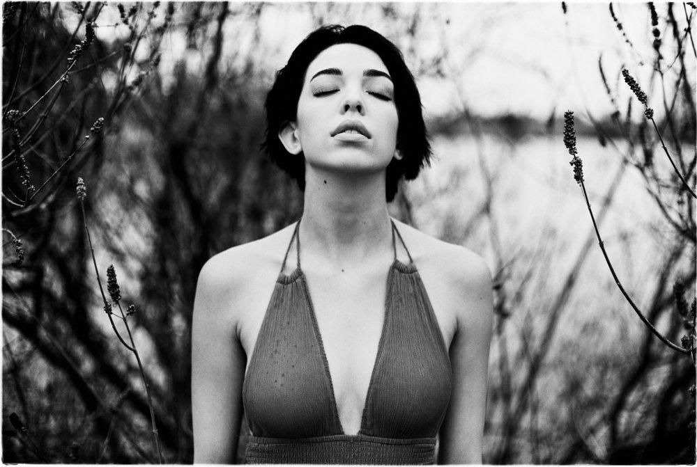 3_Alicia_Rose_Canon_AE1_Rollei_Retro_80s_Tucson_AZ_Vouge_Film_Copyright_Taylor_Noel_Photography.jpg