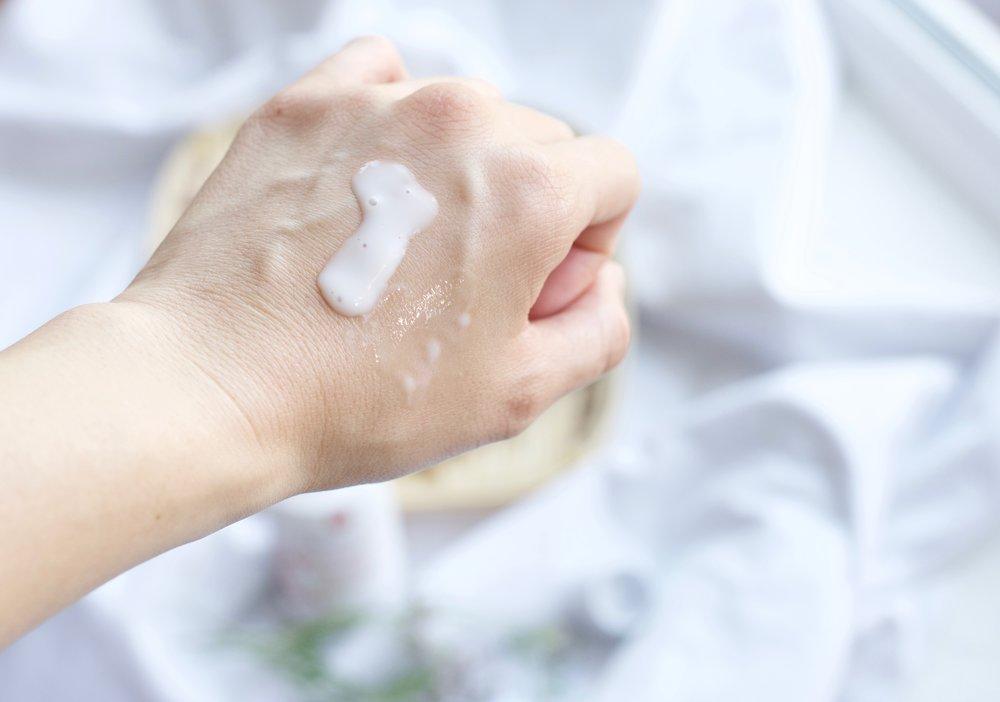 Erborian-Ginseng-Milk-Review_DSC_4315.jpg