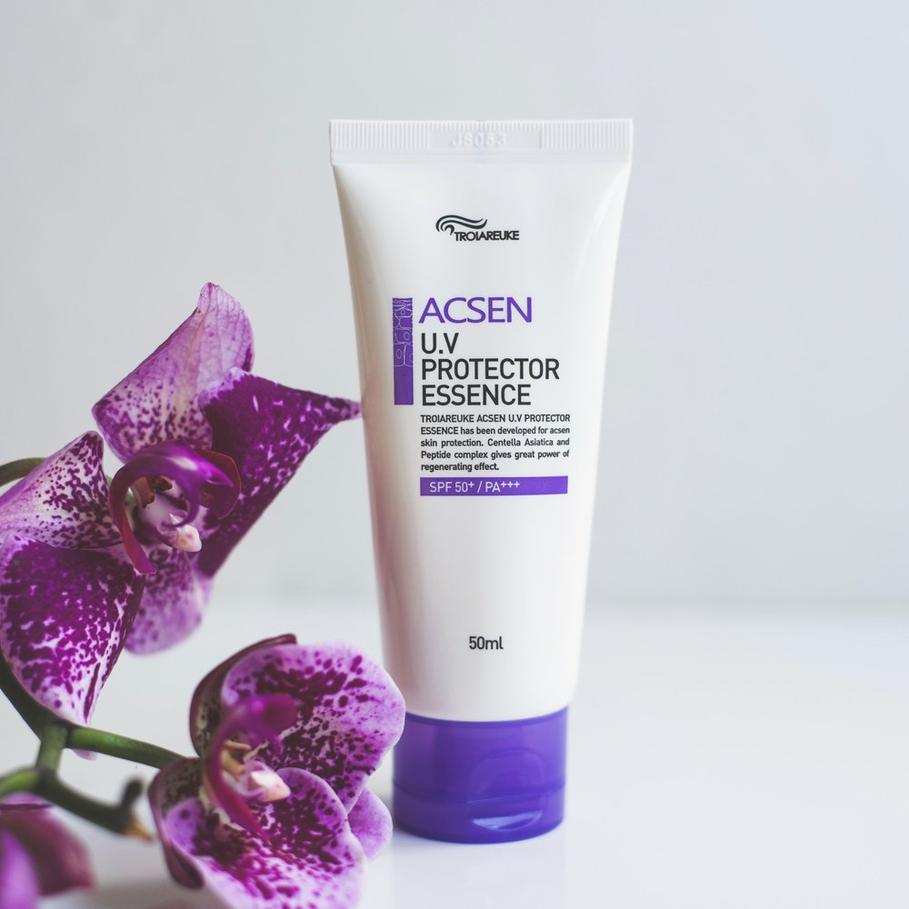 Troiareuke ACSEN UV Protector Essence Review_DSC_3619-2.jpg