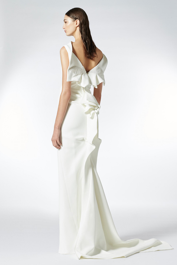 03.-BlogPost_MATICEVSKI-BRIDAL_Magical-Gown_750(W)x1125(H)px.jpg