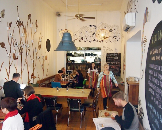 Kinfolk-Cafe-4