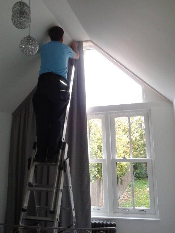 Fitting an Apex Curtain