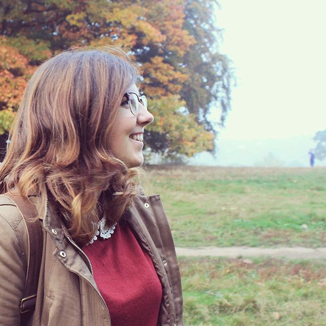 Vale Of The Heath.  #hamsteadheath #heath #girl #autumn #face #leaves #andstuff #london