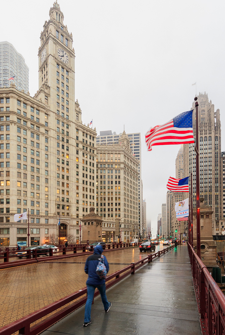 Michigan Avenue bridge in the Windy City